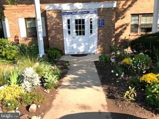 112 Woodstream Dr, Norristown, PA 19403