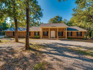 279 Riverside Dr, Decatur, TX 76234