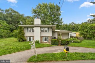 4127 Falls Rd, Manchester, MD 21102