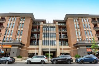 3450 S Halsted St #416, Chicago, IL 60608