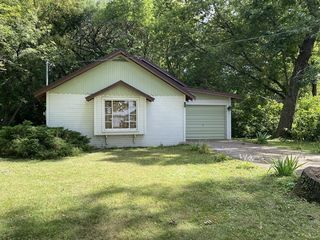 W9422 S Sunset Point Rd, Beaver Dam, WI 53916