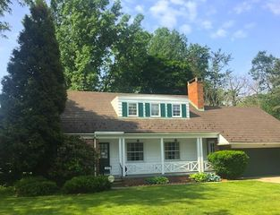 1310 Forest Hills Blvd, Cleveland Heights, OH 44118