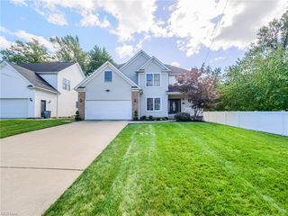 4762 Donald Ave, Richmond Heights, OH 44143