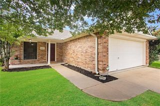 607 Plano Dr, College Station, TX 77845