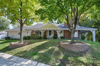 15066 Green Circle Dr, Chesterfield, MO 63017
