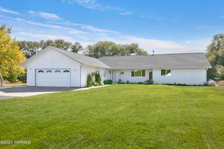 8000 Meadowbrook Rd, Yakima, WA 98903
