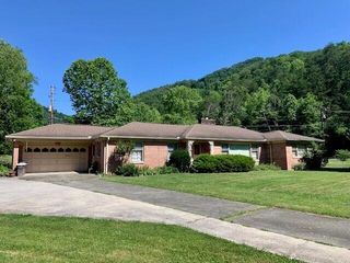 3443 State Highway 66, Pineville, KY 40977