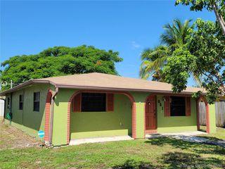 821 NE 11th Ave, Pompano Beach, FL 33060