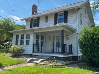 1516 12th St NW, Canton, OH 44703
