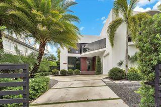 2125 N Bay Rd, Miami Beach, FL 33140
