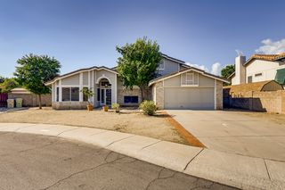 5595 W Mercer Ln, Glendale, AZ 85304