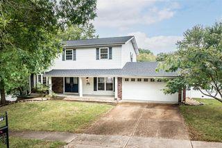 1237 Cedar Creek Rd, Chesterfield, MO 63017