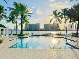 3245 NE 184th St #13403, North Miami Beach, FL 33160