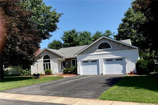 115 Rugby Ln, South Windsor, CT 06074