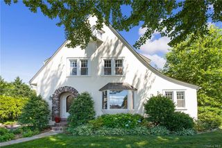 16 Rutgers Pl, Scarsdale, NY 10583