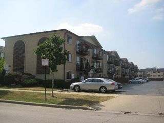8701 W Foster Ave #306, Chicago, IL 60656