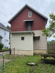 548 Inman St, Akron, OH 44306