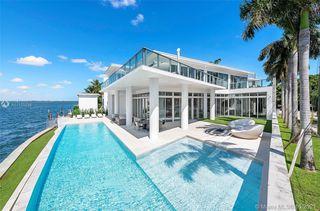 1201 N Venetian Way, Miami Beach, FL 33139