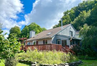 733 Mohican Trail Ln, Highmount, NY 12441