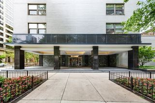 1445 N State Pkwy #806, Chicago, IL 60610