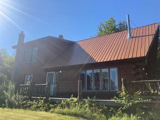 118 Pine Notch Rd, Chestertown, NY 12817