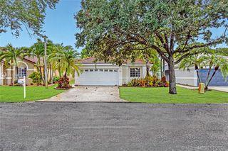 604 SW 177th Ave, Pembroke Pines, FL 33029