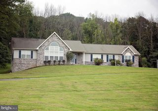 514 Spring Valley Rd, Reading, PA 19604