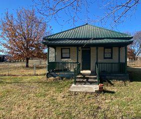 419 S Shawnee Ave, Lenapah, OK 74042