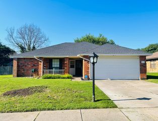 903 Clement Ct, Cedar Hill, TX 75104