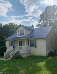 205 Alloway Rd, Little Hocking, OH 45742