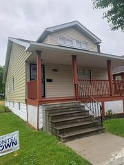 3833 E 143rd St, Cleveland, OH 44128