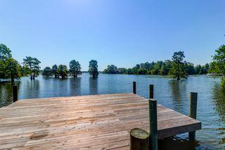 202 Lake View Ave, Bonneau, SC 29431