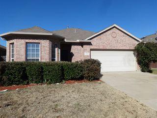 6424 Payton Dr, Fort Worth, TX 76131