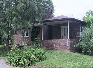 224 Oakhurst St, Hendersonville, NC 28792