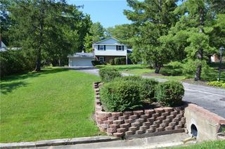 8089 Monterey Dr, Willoughby, OH 44094