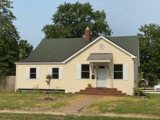 1124 N 3rd St, Boonville, IN 47601