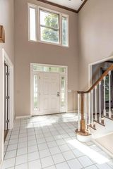 420 Canterbury Ct, Westerville, OH 43082
