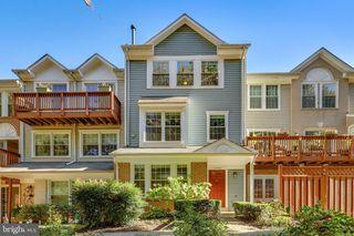 11798 Rockaway Ln #34, Fairfax, VA 22030