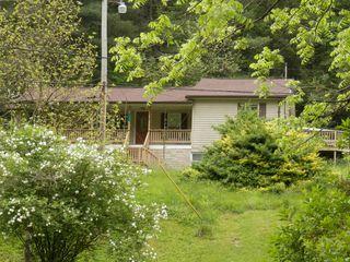 133 Donny Brook Dr, Pennington Gap, VA 24277