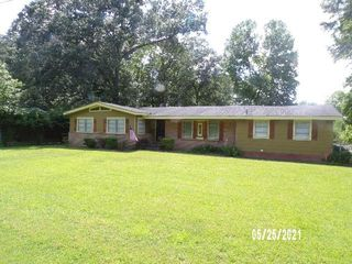 3815 Meadow Ln, Jackson, MS 39212