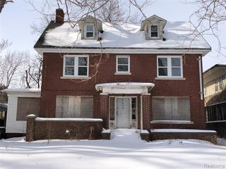 681 Lakewood St, Detroit, MI 48215