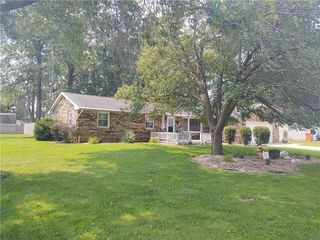 1167 Country Club Rd, Sullivan, IL 61951
