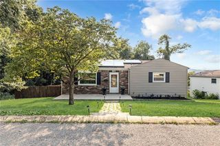 881 4th St, Baden, PA 15005