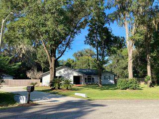 3707 SW 80th Dr, Gainesville, FL 32608