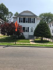 34 Abbotsford Ave #2, West Hartford, CT 06110
