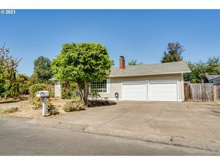 1697 Curtis Ave, Eugene, OR 97401