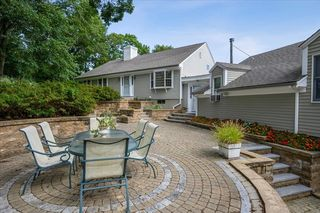 1 Old Toll Rd, Barnstable, MA 02630