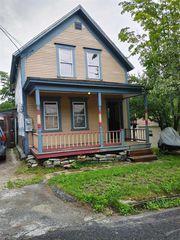 4 McHugh Rd, Graniteville, VT 05654