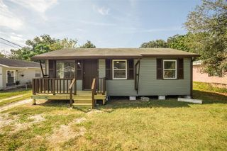 1122 N Brunnell Pkwy, Lakeland, FL 33805