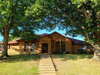 317 Coronado Dr, Grand Prairie, TX 75052